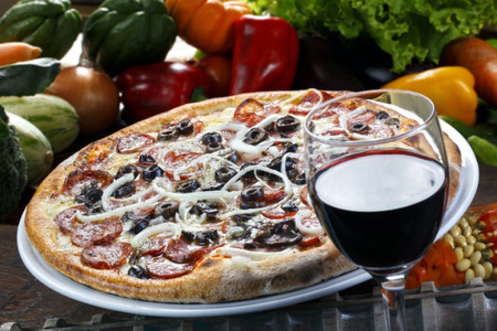 How to Pair Wine with Pizza