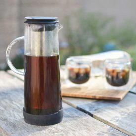 GROSCHE-Havana-cold-brew-coffee-maker-on-table-outdoors-700