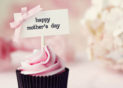 Mother's Day Gift Guide for the Mom Who Loves Sweets